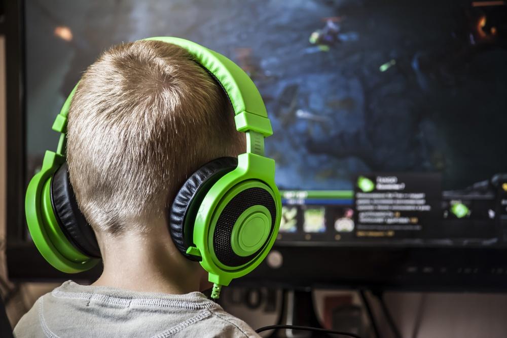 Dlaczego młodzież ucieka w wirtualny świat?